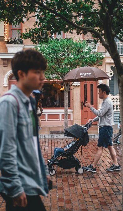 Regnskydd barnvagn, guide och praktiska tips
